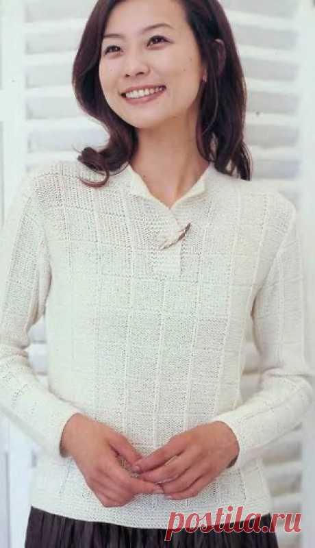 Простой пуловер спицами - несмотря на свою простоту узора, смотрится очень эффектно