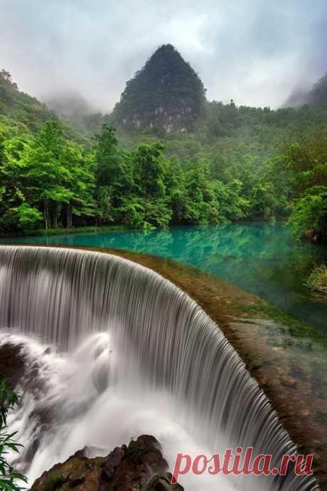 Waterfall in Libo Guizhou, China - By Simon Long\u000d\u000afrom simonlong   Pinterest • World catalog of ideas