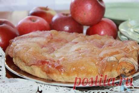 Янтарный яблочный пирог Татьяны Толстой пошаговый рецепт с фото Для янтарного яблочного пирога Татьяны Толстой нужно полтора килограмма антоновки. Рецепт простой. Выпечка переносит в буниновскую Россию начала 19 века.