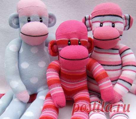 Проказницу-обезьянку шьем из носков — Делаем руками