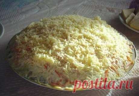 Вкусный салат с корейской морковкой, грибами и курицей / Здоровый аппетит