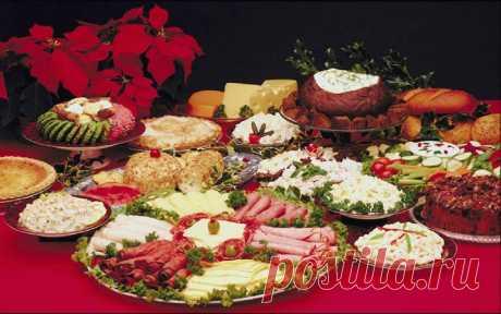 Кухня СССР: любимые блюда советских женщин  К рецептам эпохи СССР многие относятся пренебрежительно. Что там можно было приготовить, если на полках магазинов не было даже сливочного масла? Но и без хамона, дор блю и марципанов советские женщин…