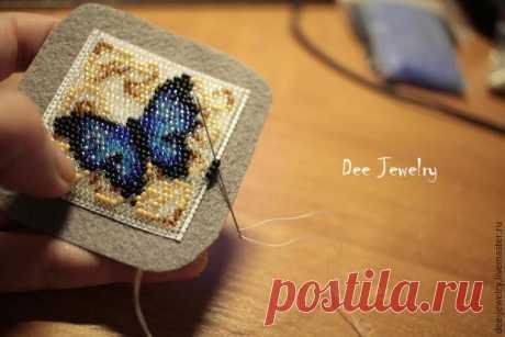 Вышиваем бисером по канве кулон «Синяя бабочка» - Ярмарка Мастеров - ручная работа, handmade