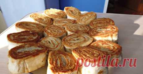 Hot rolls from an unleavened wheat cake