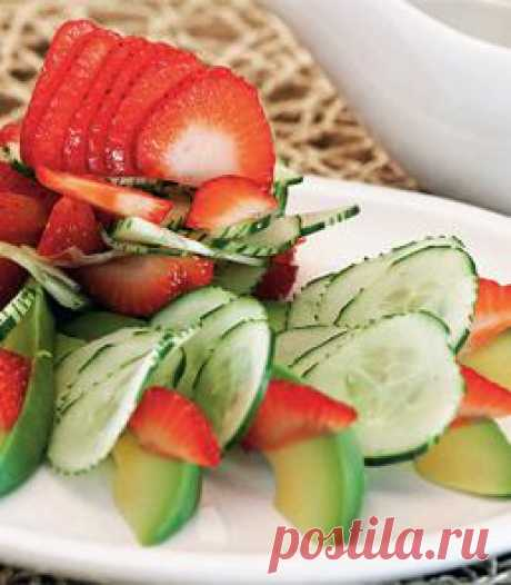 Strawberry, cucumbers and avocado salad