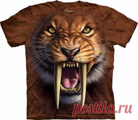 Арт №103338 Футболка The Mountain - Saber tooth Tiger Бесшовная футболка -варенка 100% хлопок Размеры Детские S, M, L,XL  +  Взрослые  S, M, L,XL, XXL, XXXL Рисунок нанесен красками на водной основе. Не выгорает, не тянется