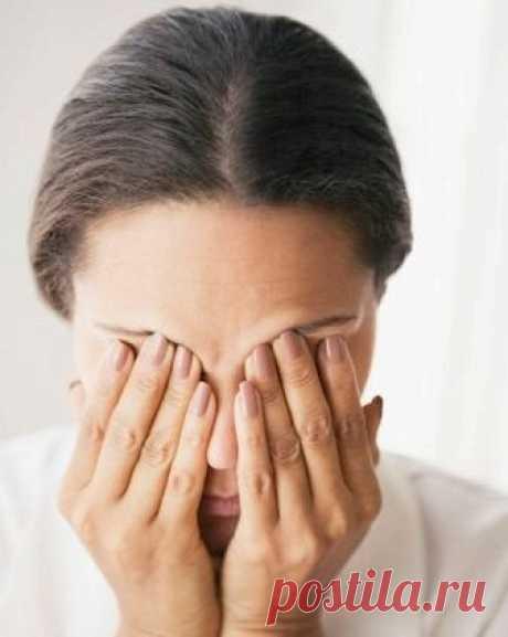 Лечение воспалительного заболевания глаз народными средствами....  При лечении воспалительных заболеваний глаз и слезного мешка народная медицина рекомендует следующие средства:  1. При нагноительных процессах глаз их надо ежедневно промывать раствором борной кислот…