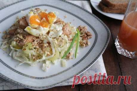 Salads from the Beijing cabbage - 5 recipes with a photo