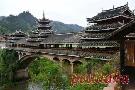 Архитектурное чудо: удивительные дома-мосты со всего мира / Туристический спутник