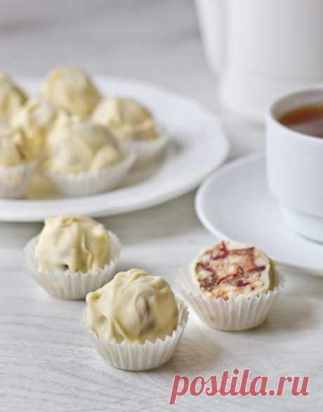 Ореховые конфеты в белом шоколаде - вкусные проверенные рецепты, подбор рецептов по продуктам, консультации шеф-повара, пошаговые фото, списки покупок на VkusnyBlog.Ru