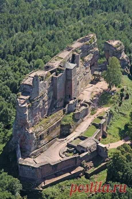 Настоящие средневековые замки Европы | STUDINTER | Яндекс Дзен