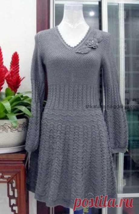 Серое платье спицами Серое платье спицами. Женское платье с длинным рукавом спицами