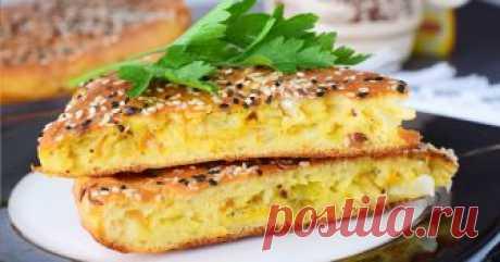 Сочный и мягкий заливной пирог с капустой — настоящая палочка-выручалочка — Фактор Вкуса