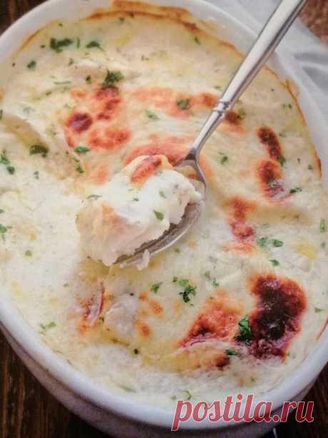 Треска в духовке под сырной корочкой в соусе бешамель: звучит круто, а готовится очень легко и быстро! | Путешествие в кулинарию | Яндекс Дзен