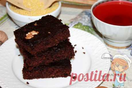 Шоколадное пирожное без муки. Ингредиенты: пшено, яйца, сливки, какао Удивительное шоколадное пирожное с пшеном без муки к чаю или кофе. Орешки придают десерту шарм, а какао – насыщенный шоколадный вкус. Пошаговый рецепт с фото