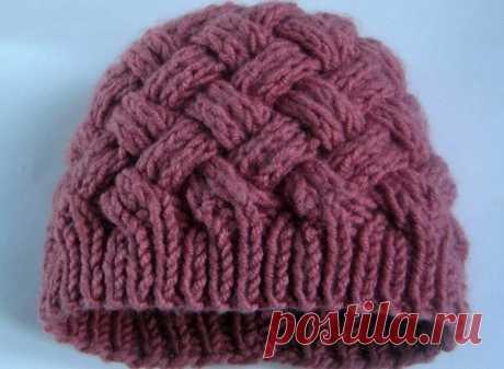Шапочка двухсторонним плетеным узором. Женская шапка с плетёным узором спицами | Я Хозяйка