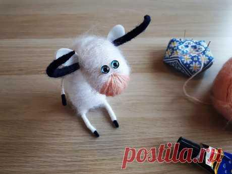 Самый простой способ сделать подвижную игрушку - бычка. Без шитья и вязания, 30 минут - и подарок готов! | Живые вещи | Яндекс Дзен