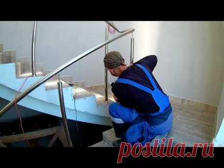 Перила из нержавейки, монтаж ограждения лестницы