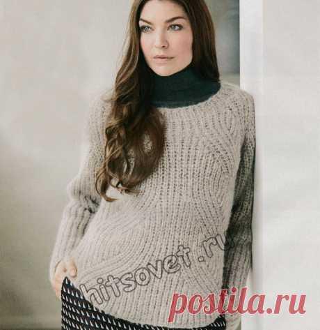 Пуловер с фигурным полупатентным узором - Хитсовет Стильный вязаный пуловер для женщин с фигурным патентным узором с пошаговым бесплатным описанием вязания.