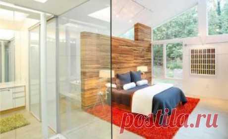 Все прозрачно: стеклянные стены и перегородки Стекло — современный и универсальный материал, который сделает любой интерьер более актуальным и стильным. Особенно интересно смотрятся стеклянные перегородки в интерьере. Зачем же они нужны?