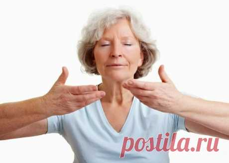 Средство, которое выведет мокроту из легких и поможет избавиться от астмы!   Каждый из нас хотя бы раз в жизни переносил бронхит, простуду или другие респираторные инфекции, которые в начальной стадии зачастую сопровождаются сухим кашлем. Многие также наблюдали стадию, когда сухой кашель превращался в мокрый с выделением особого вещества под названием мокрота.   Мокрота и кашель — защитная реакция организма на заболевание. Вместе с мокротой выводятся микробы и их яды. Прич...