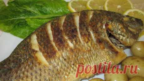 Как поджарить рыбу целиком с хрустящей корочкой? | Еда и кулинария