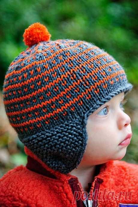 Шапка спицами для мальчика на весну, осень, зиму: описание и схема. Как связать детскую шапку для мальчика спицами шлем, ушанку, миньон, с шарфом?. Вязаная шапка с ушками спицами для мальчика, шлем танкиста, балаклава, с завязками, легкая, простая: схемы. Шапка для мальчика подростка спицами, бини, шапка чулок: схема вязания. Как связать шапку мальчику