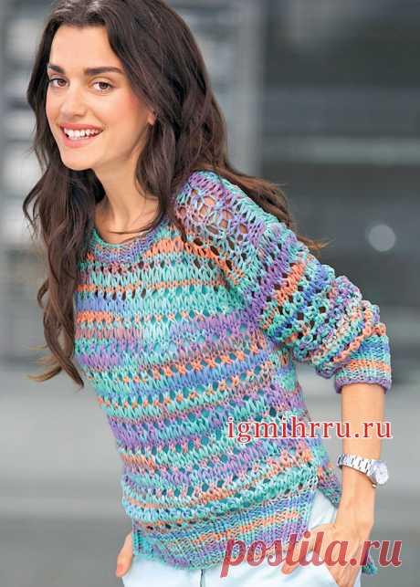 Радужный пуловер с ажурным узором из вытянутых петель. Вязание спицами