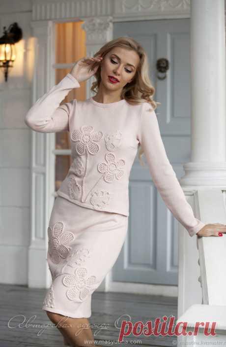 """Костюм """"Розовый алмаз"""" Элегантный вязаный костюм-двойка приятного кремово-розового цвета! Декор- ирландское кружево ручной работы, 100% handmade!Возможен пошив в других цветах, актуальные отт"""