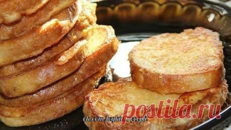 СЫРНЫЕ ГРЕНКИ  ИНГРЕДИЕНТЫ: ● белый хлеб - 12-14 кусочков; ● яйцо - 3 шт.; ● сыр твёрдых сортов - 50 г; ● сметана - 3 ст. л.; ● масло для жарки  ПРИГОТОВЛЕНИЕ: Приготовить продукты. Сыр натереть на мелкой тёрке. Белый хлеб нарезать на кусочки. Соединить сыр, яйца, сметану и всё хорошо перемешать. Купать кусочки хлеба в сырной смеси. Сковороду разогреть, добавить растительное масло, выложить кусочки хлеба. Обжарить сырные гренки с двух сторон до золотистого цвета. Аппетитны...