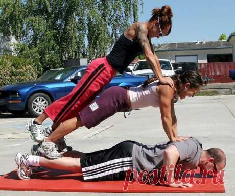 Программы для тренировки выносливости в домашних условиях Упражнения, из которых состоят программы тренировок, подразделяются на силовые, скоростно-силовые и упражнения на выносливость.Выносливость – это способность выполнять физическую нагрузку длительное ...