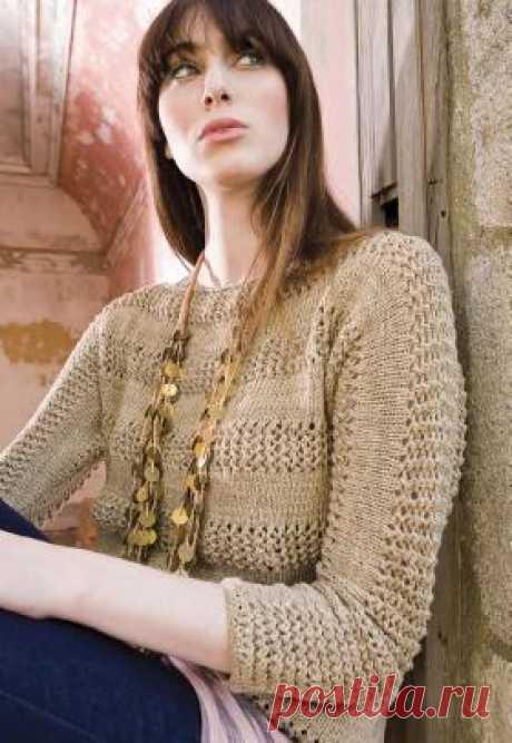 Пуловер с укороченным рукавом и ажурными вставками Женственный пуловер с рукавом 3/4 и вырезом лодочка, связанный на спицах из хлопковой пряжи. Описание дано для всех размеров. Изделие...
