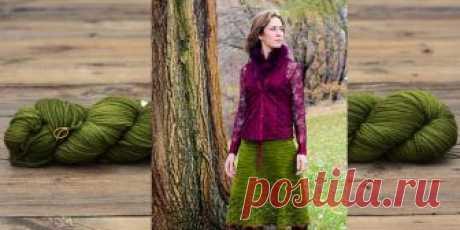 Вязаная юбка трапеция Autumn Foliage Женская вязаная юбка трапеция с ажурной каймой спицами. Замечательная красивая женская юбка А силуэта - трапеция, вязаная спицами сверху вниз с красивой ажурной каймой по нижнему краю.