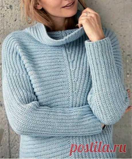 Голубой свитер. Спицами