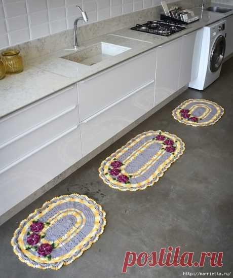 Комплект овальных ковриков крючком для кухни
