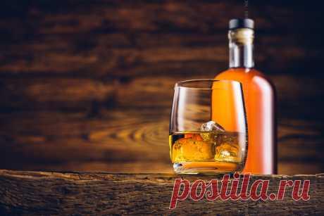 Как и из чего делают виски? технология производства и разновидности Виски – это известный всему миру благородный спиртной напиток. Его производство – дело трудоемкое и довольно долгое. Существует несколько сортов этого напитка, которые зависят от страны-изготовителя, …