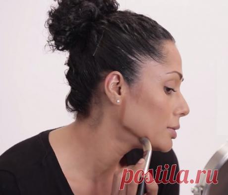 Возрастной макияж: простые советы для маскировки двойного подбородка   Стиль вне размера   Яндекс Дзен