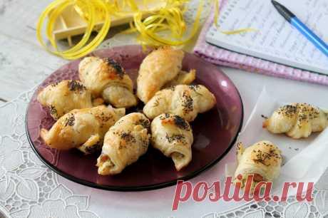 Слоеные рулетики с красной рыбой рецепт с фото пошагово - 1000.menu