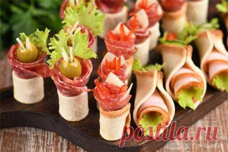 Праздничная закуска из колбасы с хлебом. Три варианта подачи (рецепт с фото) | Совет да Еда | Яндекс Дзен