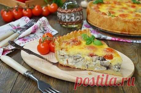 Открытый пирог «Киш лорен» с курицей и грибами   Ингредиенты: Для теста: -Маргарин - 125 грамм; -Яйцо куриное - 1 шт; -Вода - 3 ст. л; -Мука - 250 грамм; -Соль - 1/3 ч. л; -Разъемная форма - 24 см; Для начинки: -Куриное филе - 330 грамм;…