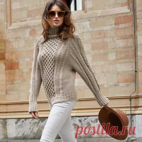 Бесшовный свитер с рельефным декором