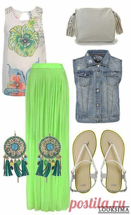 Этнический бохо будто создан для лета: длинные летящие юбки, принты, массивные украшения и легкие удобные сандалии. Ярко, стильно, красиво.
