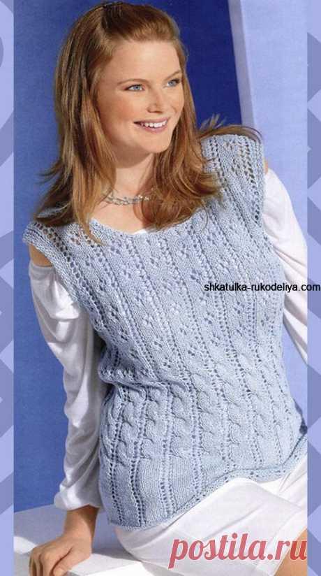 Голубая безрукавка спицами Голубая безрукавка спицами. Вязаные безрукавки спицами женские с косами