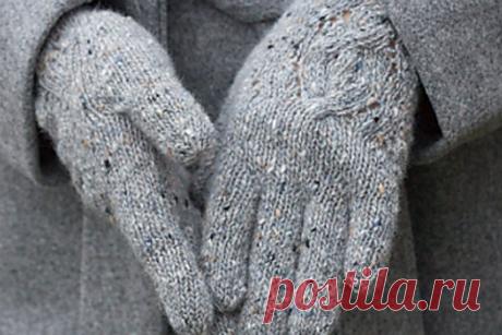 Как связать перчатки спицами Если вы любите больше носить перчатки, чем варежки, то наверняка вам пригодятся знания, как связать перчатки спицами. Сегодня представляем вашему вниманию мастер-класс, который поможет вам разобраться во всех нюансах вязания перчаток.
