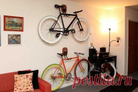 Идеи хранения велосипеда в квартире Отсутствие балкона ‒ не повод отказываться от покупки велосипеда. Это идеальный денежный вклад в здоровье. Поездки на велосипеде поддерживают фигуру в форме и благотворно влияют на работу суставов и с...
