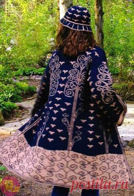 Жаккардовое пальто. Спицами