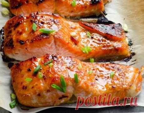 The salmon baked in an oven in Thai