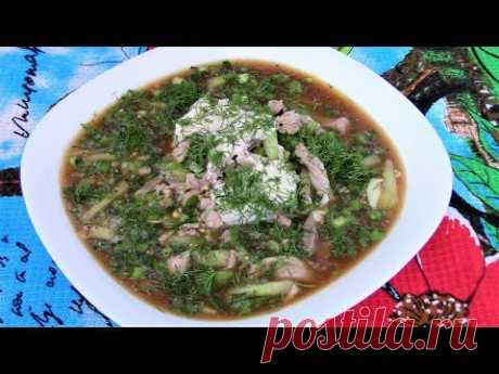 La okroshka por-tatarski - casi dietético, nutritivo y muy sabroso.