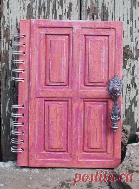 """Блокнот """"Старая дверь"""". Имитация деревянной поверхности."""