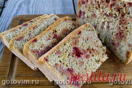 Хлеб свекольный на ржаной закваске. Рецепт с фото Если у вас есть хлебопечь, то вы без особого труда сможете испечь необычный хлеб на ржаной закваске со свеклой по этому рецепту. Мало того, что он будет полезный, вкусный, да еще и красивый. Хлеб со свеклой можно испечь и на обычных дрожжах. В этом случае нужно взять такое количество дрожжей, которое указано в рецептуре к хлебопечке.